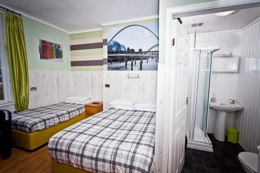 Cog & Wheel - hotel room
